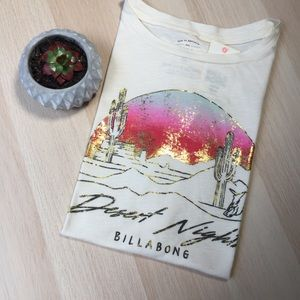 Billabong 🌊 Dessert Night 🌵 Graphic Tee !  NWT !